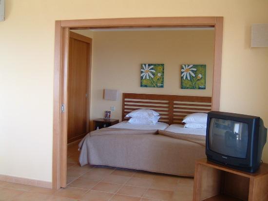 Alto da Colina Aparthotel: sweet dreams were had here :)