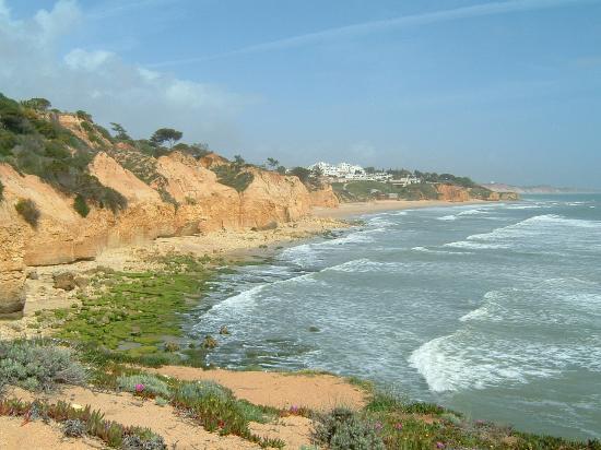 Alto da Colina Aparthotel: beach 10 minute walk - 2 minute drive