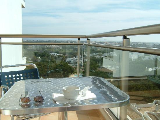 Alto da Colina Aparthotel: view of sea and hills