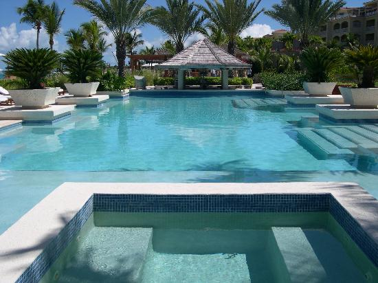 Grace Bay Club: Pool