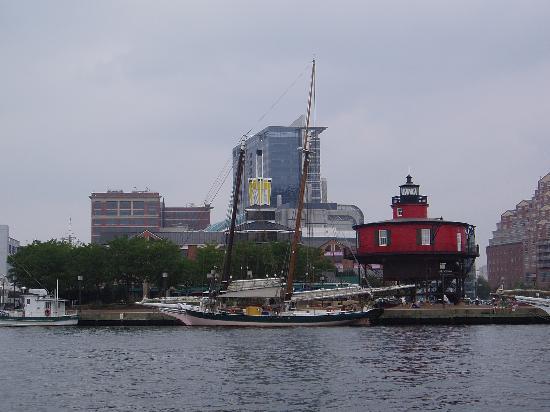 Hopkins Inn: Baltimore Inner Harbor- 2 miles