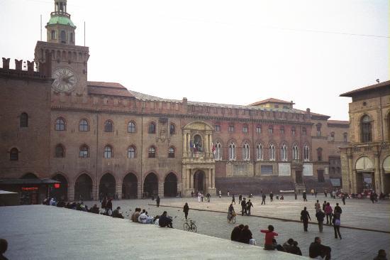 Bologna, Piazza Maggiore - Foto di Holiday Inn Bologna Fiera - Tripadvisor
