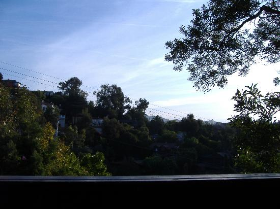 Hollywood Hills Hotel: View from room 114 deck