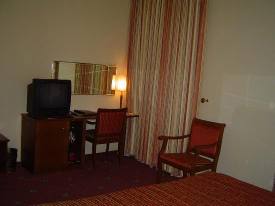 Hotel Mozart: Bedroom 2