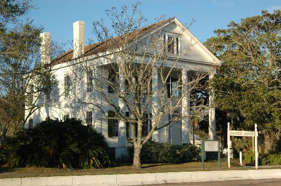 Gibson Inn: The Ramey House up the street in Apalachicola, FL.