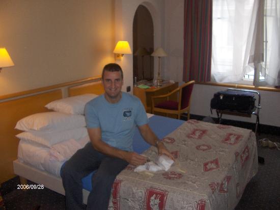 Mercure Nice Centre Grimaldi: Hotel room