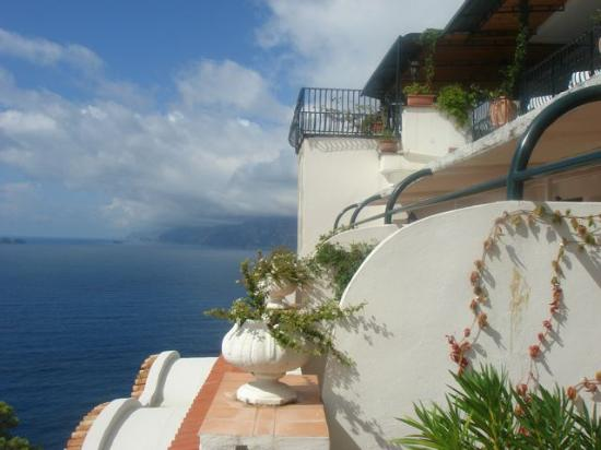 Grand Hotel Tritone : Terrace looking to Sea