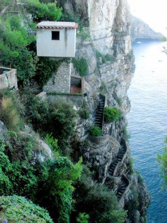 Grand Hotel Tritone : Stairs to Coast