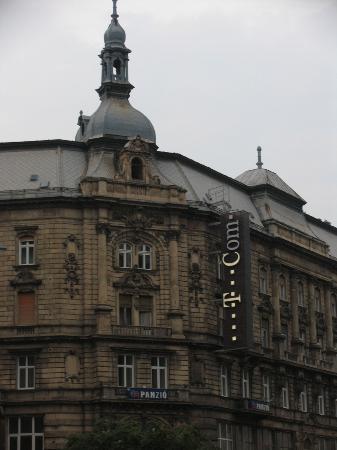 Leo Panzio Hotel: The Hotel