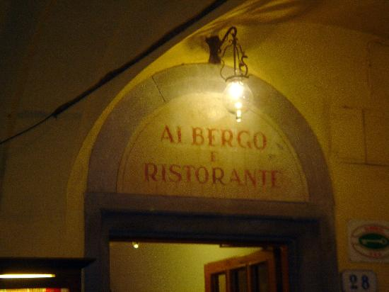 Albergo Giovanni da Verrazzano : Sign Over Entrance