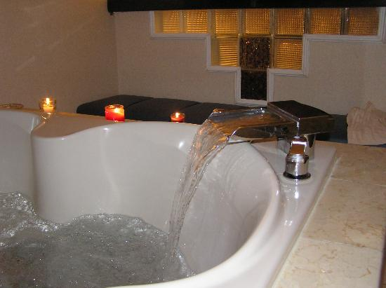 Jacuzzi Bathroom Faucet hot tub faucet - picture of new york - new york hotel and casino