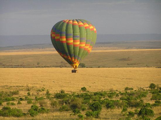 Bamburi, Kenia: Balloon flight over the Mara