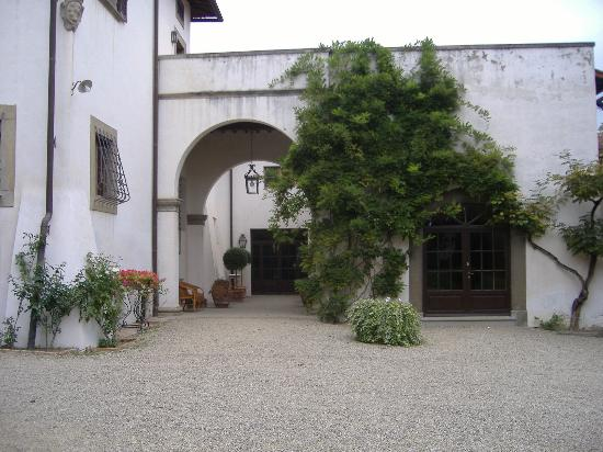 Villa Dianella: a view of the house from the garden