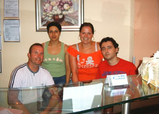 Hotel Summer Dream: Me and my wife with Tasos and Maria, owners of the hotel