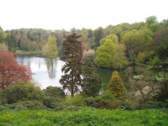 Stourhead House and Garden : I loved the different tree colours!