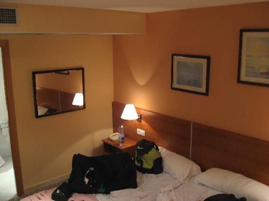 Hotel Catalunya: Room View
