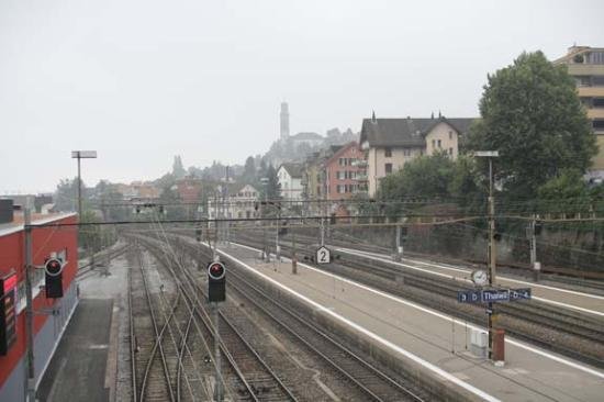 Thalwil, Zwitserland: The train station (not a great picture, visit anyway)