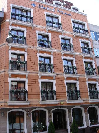 Hotel Mina: exterior