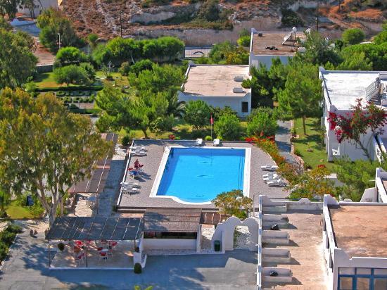 Lagada Beach Hotel Reviews