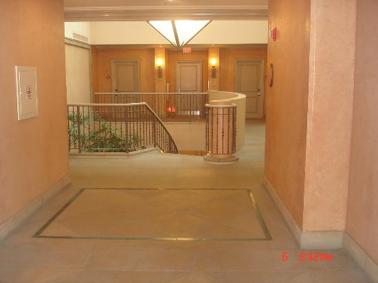 Four Seasons Resort and Club Dallas at Las Colinas: Villas Foyer