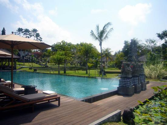 The Chedi Club Tanah Gajah, Ubud, Bali – a GHM hotel: Main pool looking over grounds
