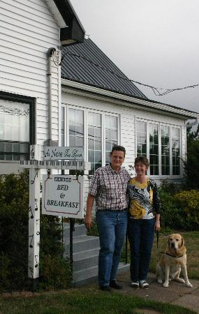 Baker's Chest Tearoom and B&B: New owners with old sign