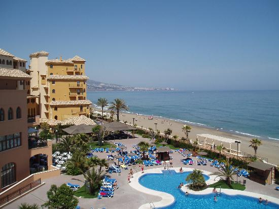 Hotel IPV Palace & Spa: View from Balcony towards Fuengirola
