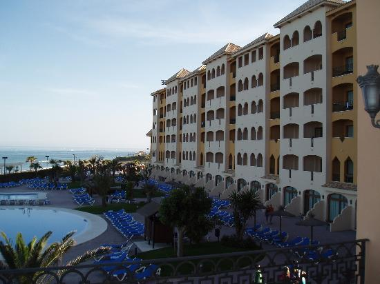 Hotel IPV Palace & Spa: Late afternoon view of hotel