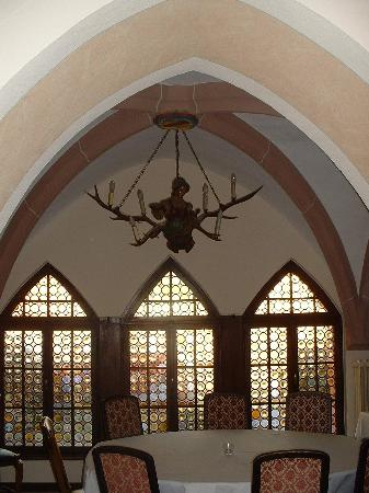 Klosterschenke: unusual chandelier in dining area