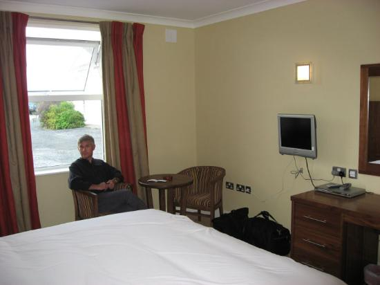 Auburn Lodge Hotel & Leisure Centre: Our room