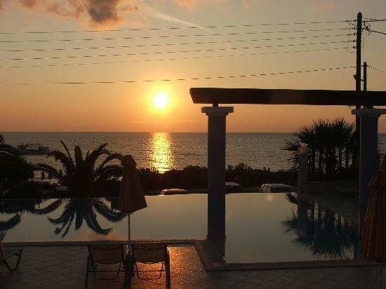 Anassa Hotel: Another dawn breaking