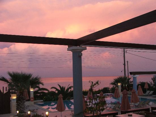 Anassa Hotel: sun setting on another perfect day