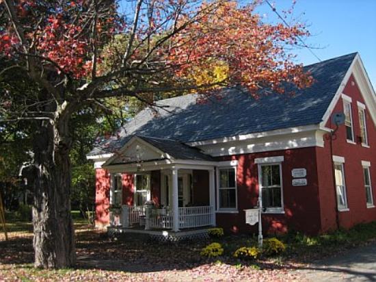 Sampler House Bed and Breakfast : The Sampler House