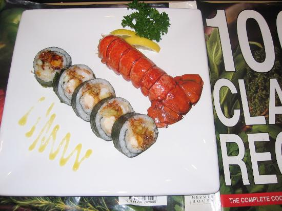 Taiko Japanese Steakhouse and Sushi Bar: lobster roll .:tempra lobster fish reo cucumber mayonnise