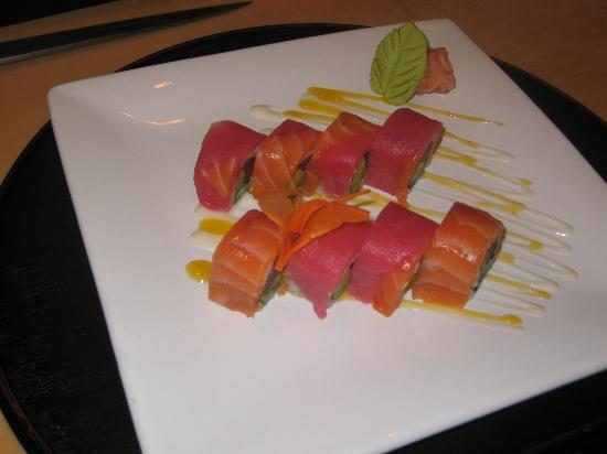 Taiko Japanese Steakhouse and Sushi Bar: dubuque roll,:tuna,avacado chili oil, tuna, salmon outside