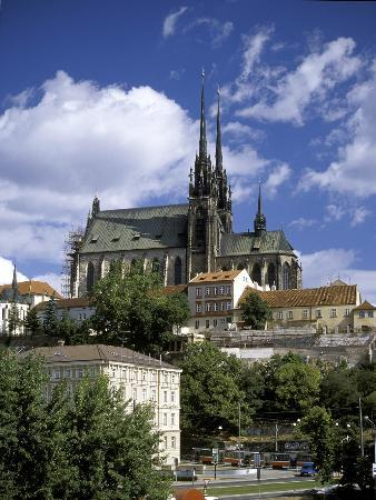 Brno, Republika Czeska: cathedral from nove sady