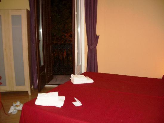 Suite Gaudi Barcelona: Bedroom