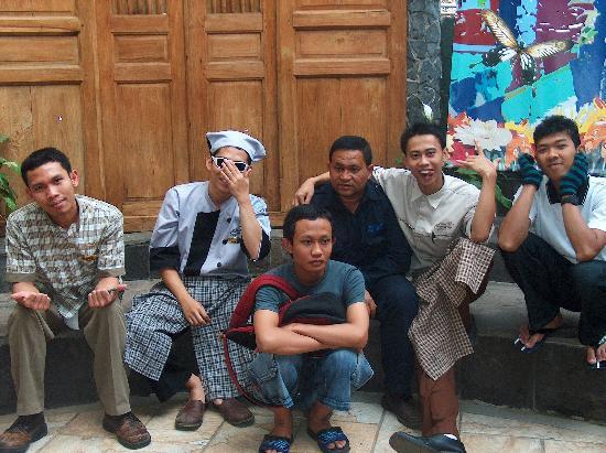Hotel Bumi Sawunggaling: the boys off Sawunggaling