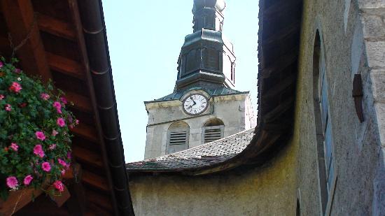 Morzine-Avoriaz, França: Village clock