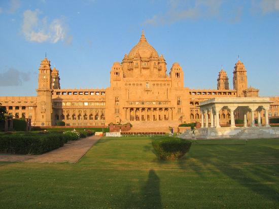 Umaid Bhawan Palace Jodhpur: Hotel exterior