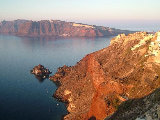 Art Maisons Luxury Santorini Hotels Aspaki & Oia Castle: From the balcony at dawn