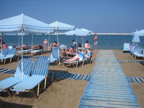 Ideon Hotel: Beach Within Walking Distance
