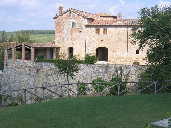 La Gazzara B&B: Castell'inVilla