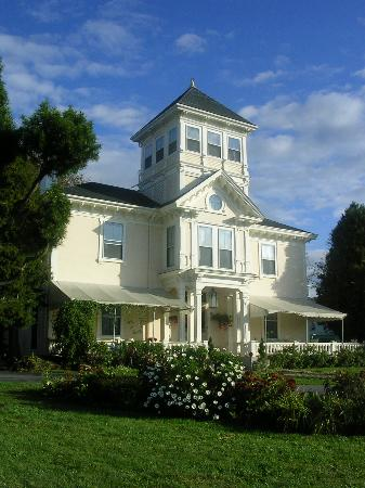 The Charles Hovey House Inn