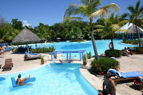 Paradisus Rio de Oro Resort & Spa: The pool