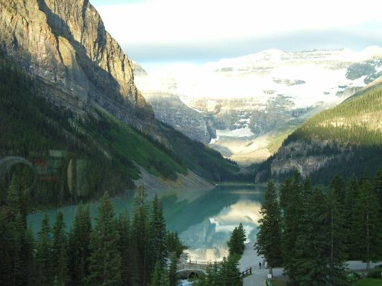 Fairmont Chateau Lake Louise: Early morning view