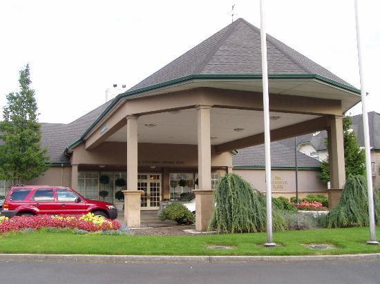 Homewood Suites by Hilton Vancouver-Portland: Main Entrance