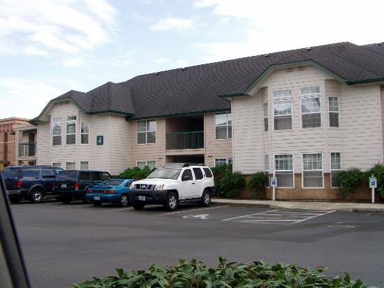 Homewood Suites by Hilton Vancouver-Portland: One of the accommodation blocks