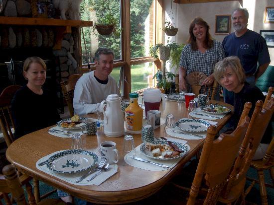 Storybook Farm Llama Trekking B&B: Breakfast at Storybook Farms