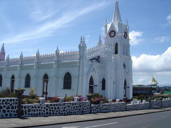 San Isidro del General, Kosta Rika: The Church (My Favorite in Costa Rica)
